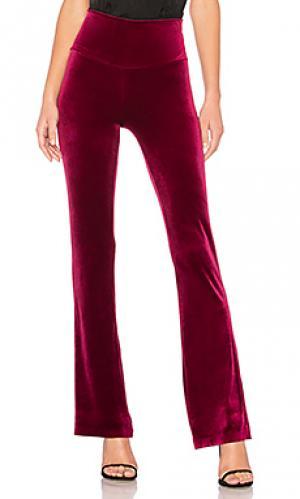 Расклешенные брюки Norma Kamali. Цвет: вишня