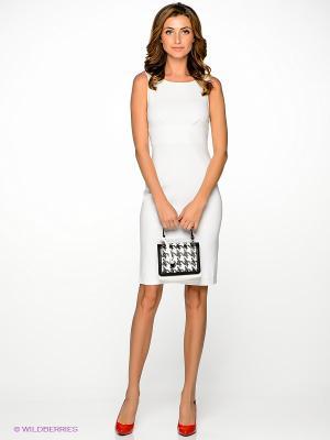 Платье V&V. Цвет: белый