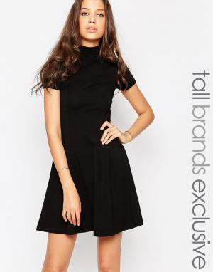 Taller Than Your Average Короткое приталенное платье с высокой горловиной TTYA. Цвет: черный