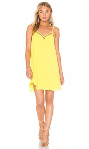 Платье с перекрестными шлейками Bishop + Young. Цвет: желтый