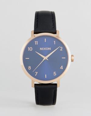 Nixon Часы с черным кожаным ремешком Arrow. Цвет: черный