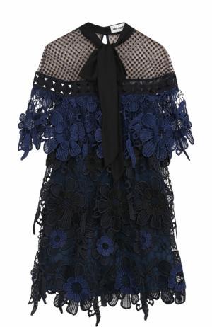 Кружевное мини-платье с воротником аскот self-portrait. Цвет: темно-синий