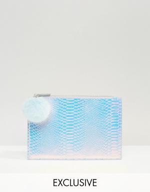 Skinnydip Маленький эксклюзивный клатч с помпоном переливающегося оттенка Skinny. Цвет: серебряный