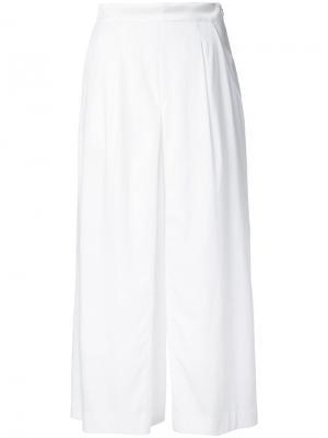 Расклешенные укороченные брюки Guild Prime. Цвет: белый