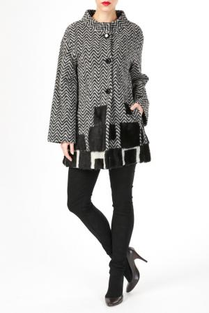 Пальто HDS. Цвет: белый