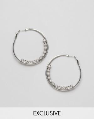DesignB London Серьги-кольца со стразами. Цвет: серебряный