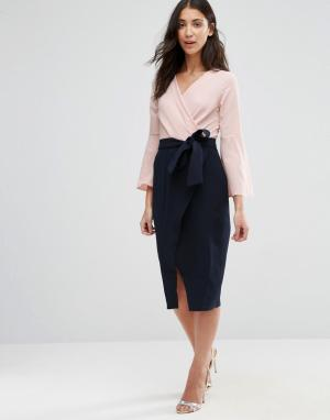Closet London Платье с длинными рукавами и контрастной юбкой запахом. Цвет: мульти