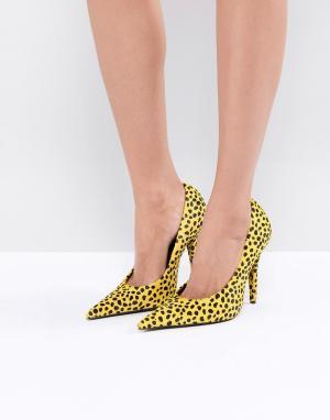 Jeffrey Campbell Желтые туфли-лодочки с отделкой под ягуара. Цвет: желтый