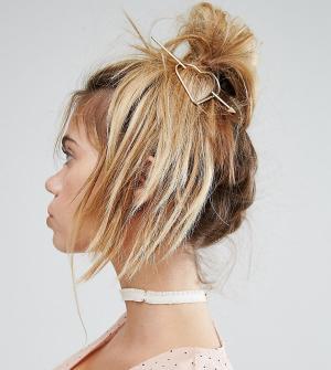 Reclaimed Vintage Заколка для волос в форме сердца Inspired. Цвет: золотой