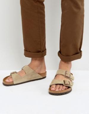 Birkenstock Замшевые сандалии Arizona. Цвет: бежевый