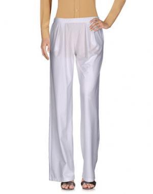 Повседневные брюки MARIUCCIA. Цвет: белый