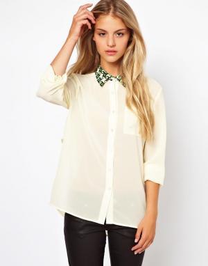 Блузка с геометрическим принтом на воротнике Jovonnista. Цвет: геометрический принт