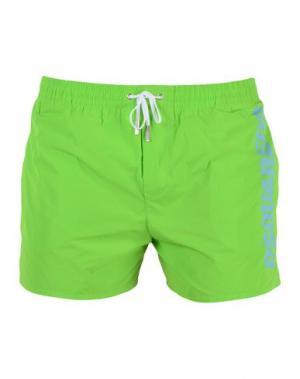Пляжные брюки и шорты DSQUARED2. Цвет: светло-зеленый