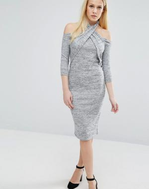Lost Ink Платье с халтером и длинными рукавами. Цвет: серый