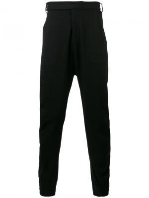 Спортивные брюки с заниженным шаговым швом Beyond Odeur. Цвет: чёрный