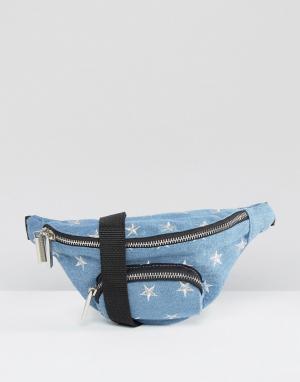 Skinnydip Джинсовая сумка‑кошелек на пояс с вышитыми звездами. Цвет: синий