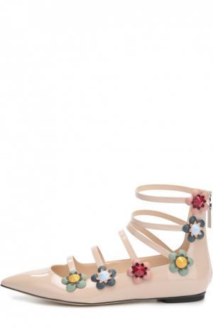 Лаковые балетки с цветочными аппликациями Fendi. Цвет: бежевый