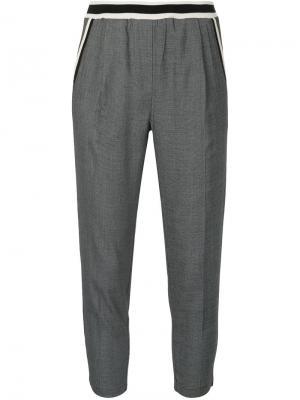 Укороченные брюки Guild Prime. Цвет: серый