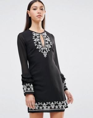 Maya Платье с длинными рукавами. Цвет: черный
