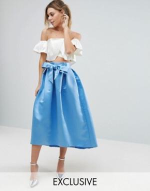 Closet London Атласная юбка миди с бантом спереди. Цвет: синий