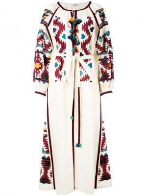 Платье-рубашка с вышивкой Vita Kin. Цвет: телесный