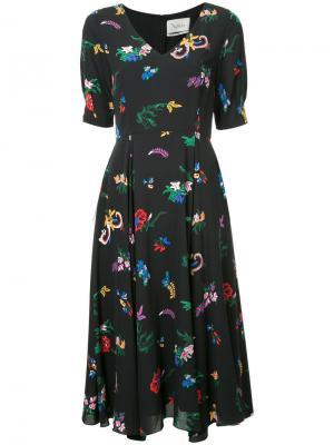 Расклешенное платье с цветочным принтом Novis. Цвет: чёрный