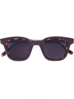 Солнцезащитные очки в квадратной оправе Eyevan7285. Цвет: коричневый