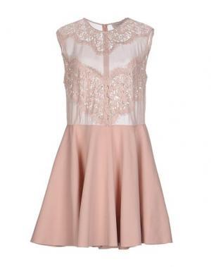 Платье до колена LOVER. Цвет: светло-розовый