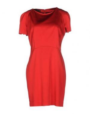 Короткое платье GOOD ON HEELS. Цвет: красный