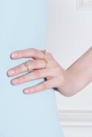 Кольцо из латуни с кварцем Pamela Love. Цвет: золотой, янтарный