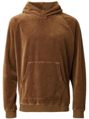 Толстовка с капюшоном и карманом-муфтой monkey time. Цвет: коричневый