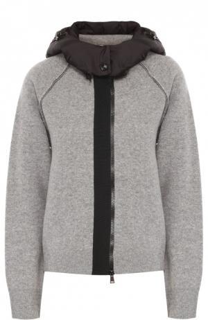 Шерстяная куртка на молнии с пуховой отделкой капюшона Moncler. Цвет: серый