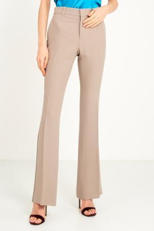 Бежевые брюки со стрелками Gucci. Цвет: бежевый