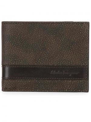 Бумажник с камуфляжным принтом Salvatore Ferragamo. Цвет: коричневый
