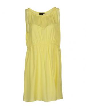 Короткое платье FRANSA. Цвет: светло-желтый