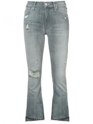 Укороченные джинсы с бахромой Mother. Цвет: серый