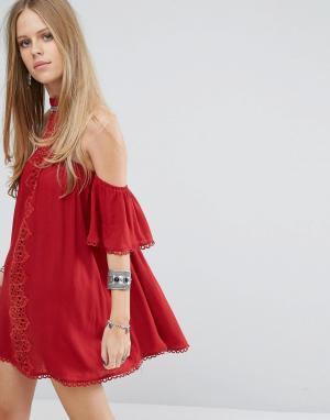 Kiss The Sky Платье с чокером, открытыми плечами и кружевной вставкой. Цвет: красный