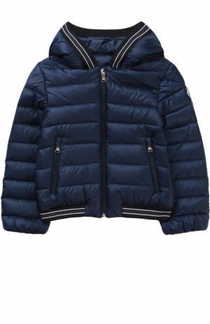 Пуховая куртка с капюшоном Moncler Enfant. Цвет: синий