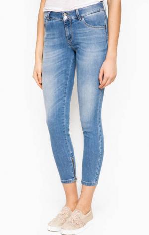 Синие джинсовые капри Kocca. Цвет: синий