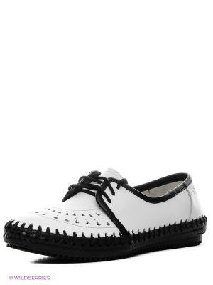Туфли Spur. Цвет: белый, черный