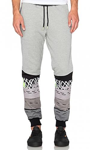 Свободные брюки max Staple. Цвет: серый