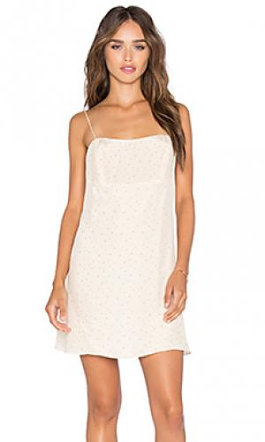 Платье daria AGAIN. Цвет: кремовый