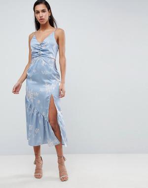 Finders Keepers Платье миди с цветочным принтом. Цвет: синий