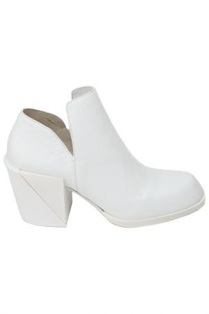Ботильоны DKNY. Цвет: белый