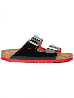 Лакированные сандалии с пряжками Birkenstock. Цвет: чёрный
