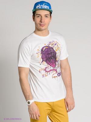 Футболка Osiris. Цвет: белый, фиолетовый, горчичный