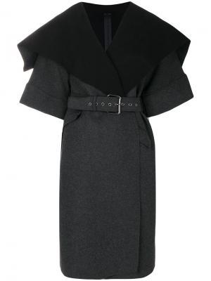 Пальто с поясом Gareth Pugh. Цвет: серый