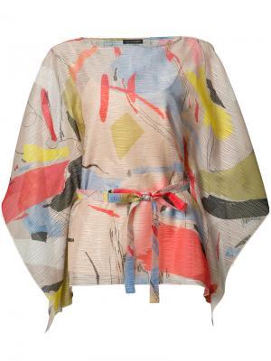 Блузка с узором и поясом Josie Natori. Цвет: многоцветный