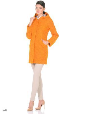 Пальто Фарт Фаворита. Цвет: оранжевый