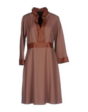 Короткое платье MALAICA. Цвет: светло-коричневый